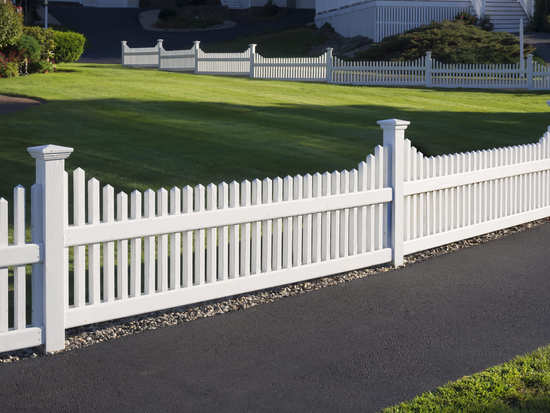 white picket fence installation dallas